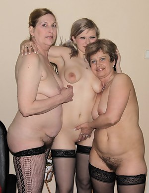 Free Lesbian Teen Orgy Porn Pictures